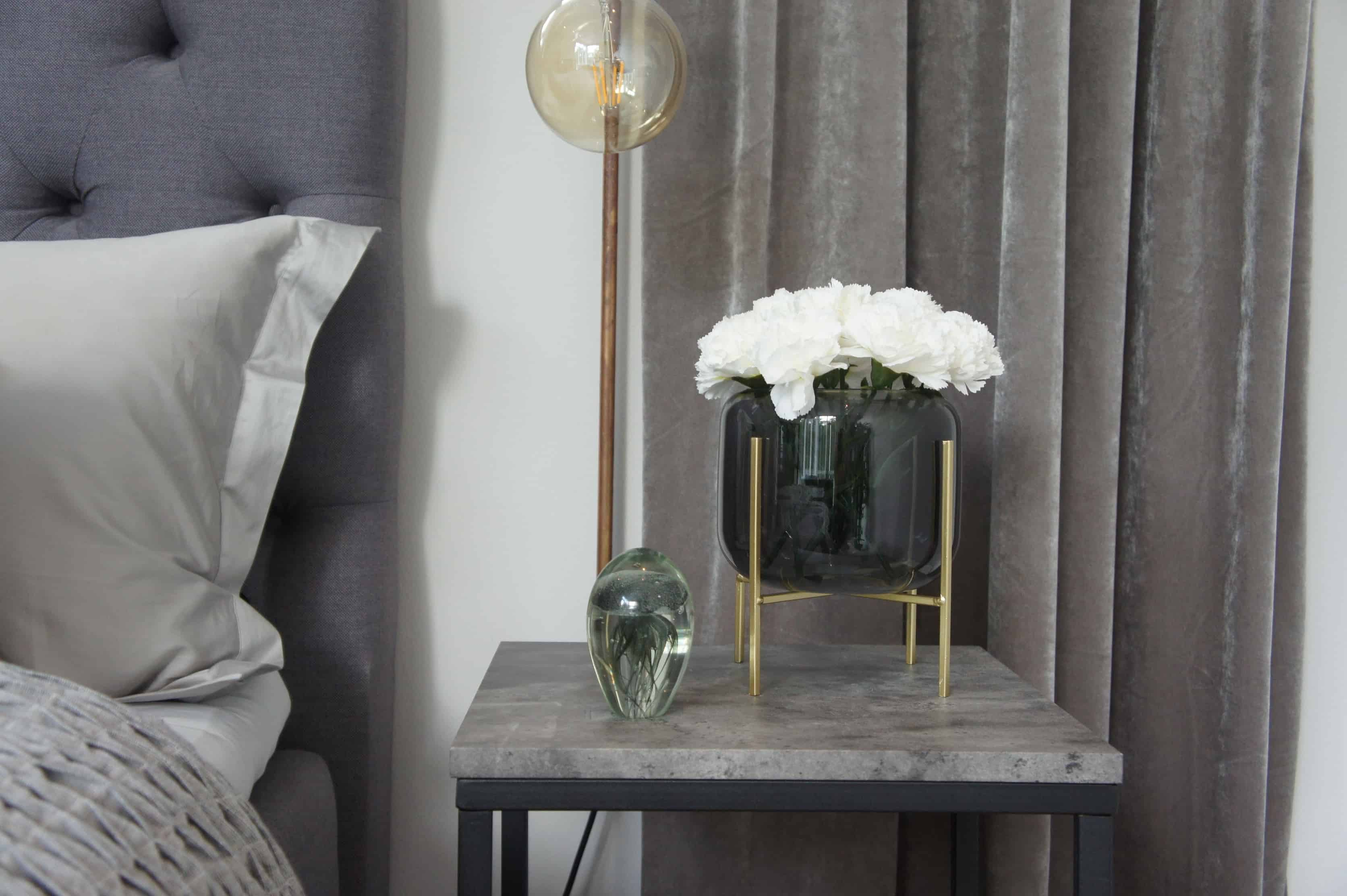 grey master bedroom sovrum sammet hemtex