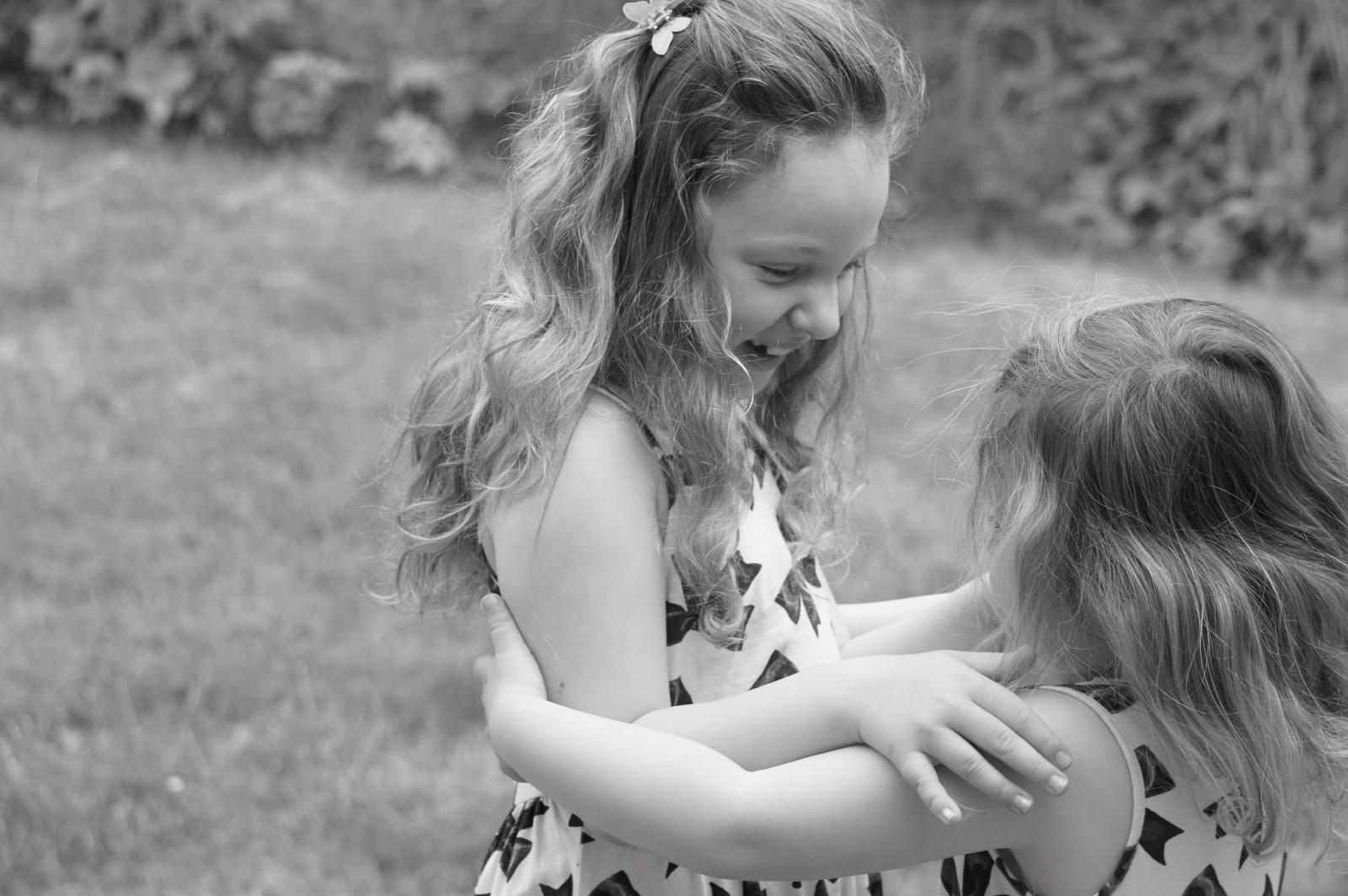 syskonkärlek carlklint closeup