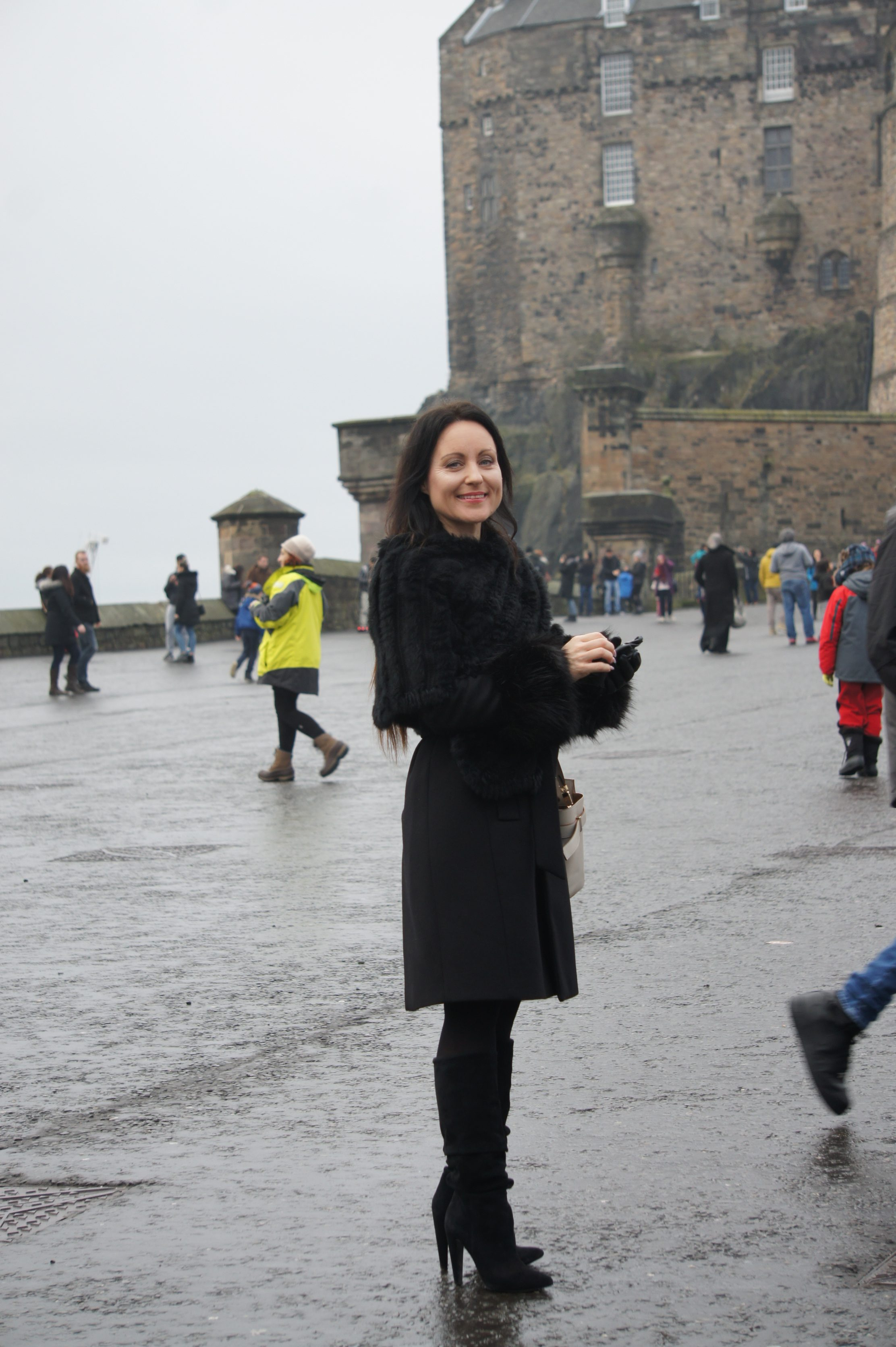 edinburgh scotland christmas cocinelle fashion weekendtrip getaway